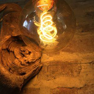 luminaire sur bois flotté