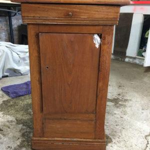 Vieux meuble à rénover