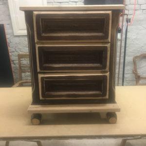Ancien meuble 3 tiroirs