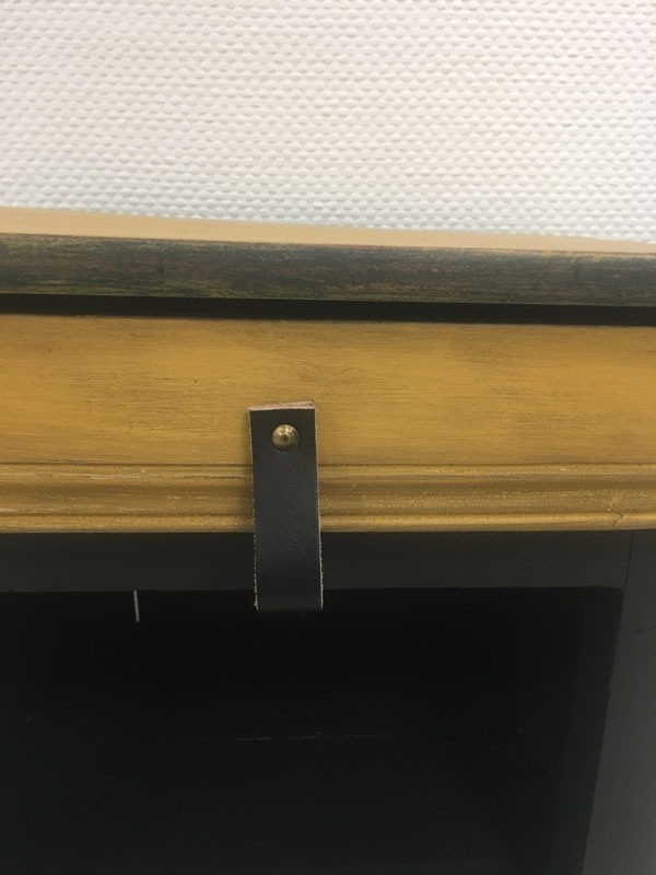 Poignée cuir meuble d'entrée