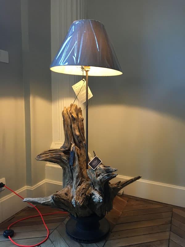Luminaire sur pied bois flotté